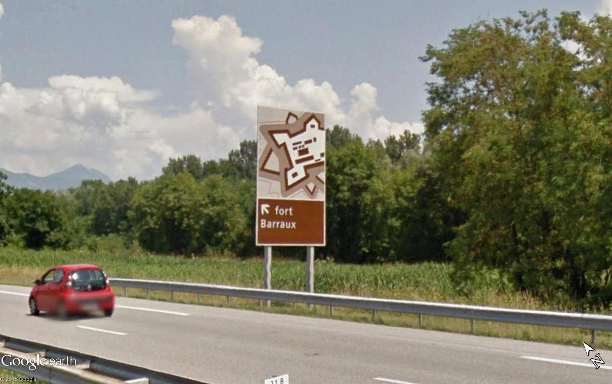 Panneaux touristiques d'autoroute (topic touristique) Fort_b13