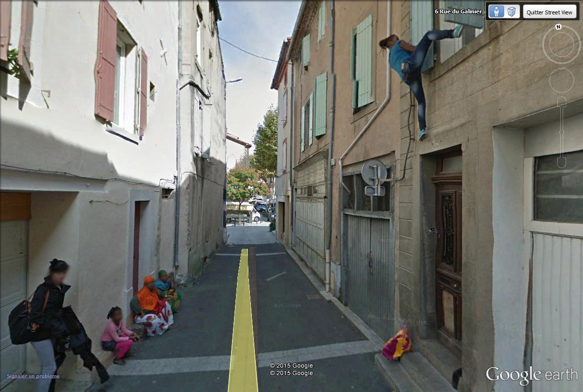 STREET VIEW : scène insolite à Mazamet Maz_211