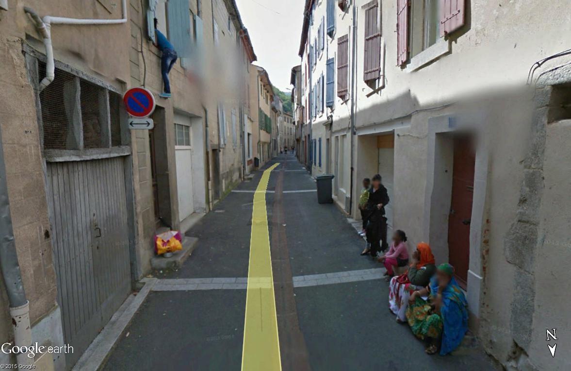 STREET VIEW : scène insolite à Mazamet Maz_310