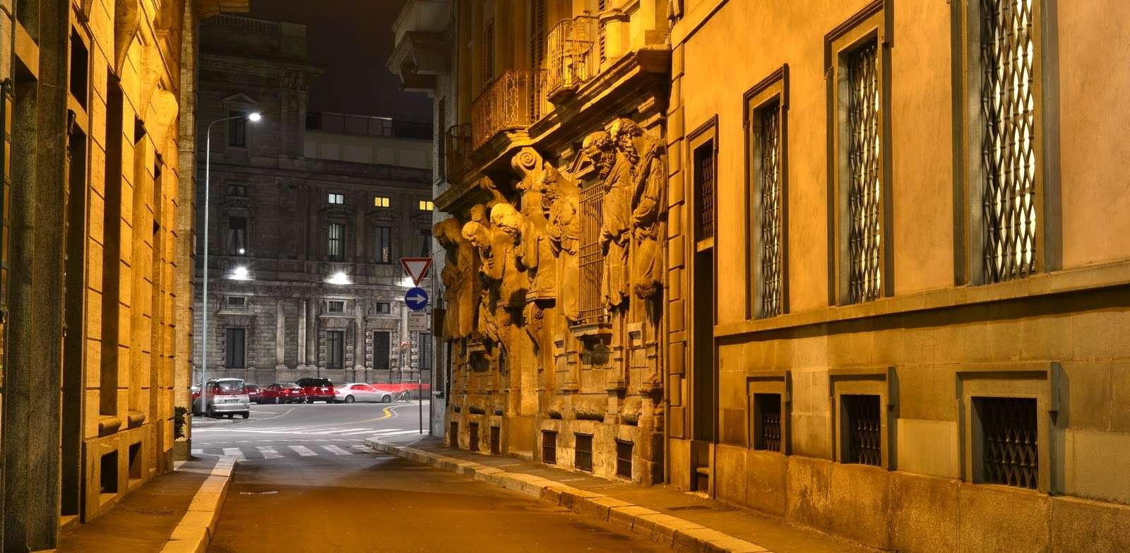 ARCHITECTURE : cariatides et atlantes Omenon10