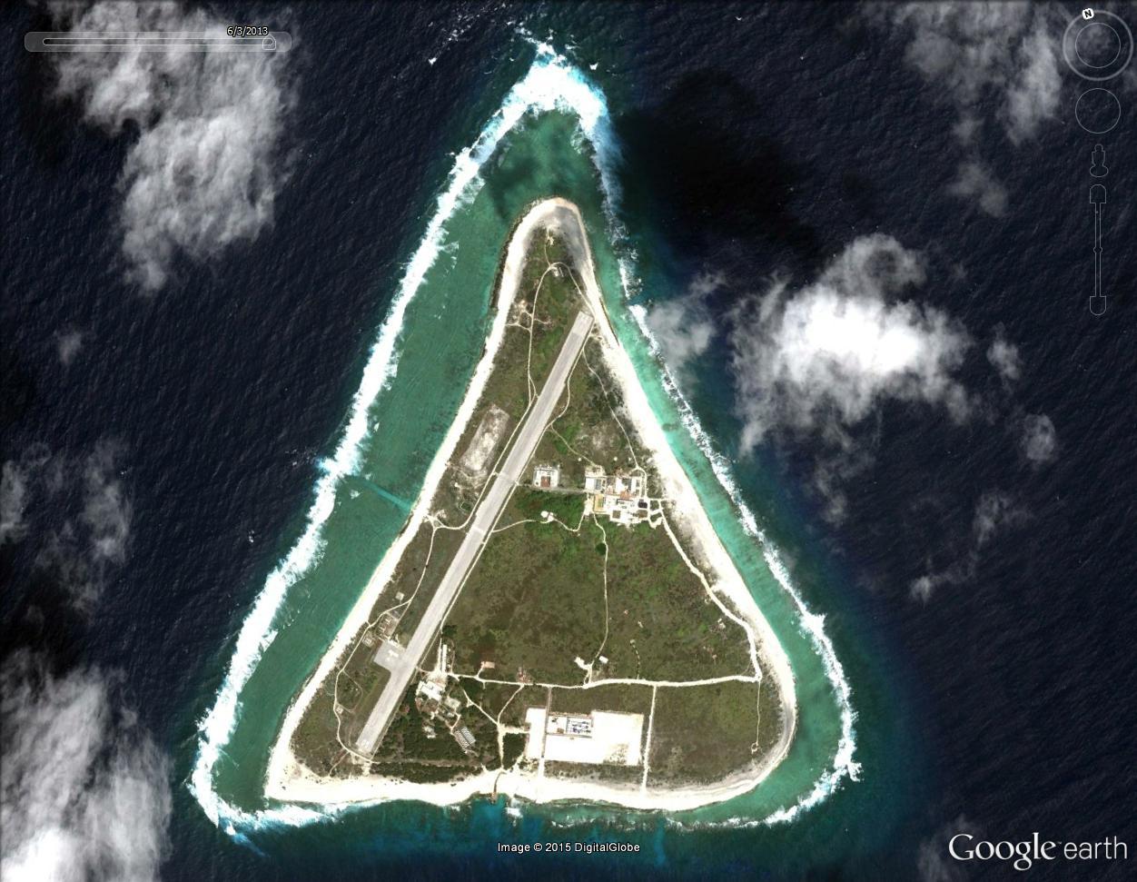 Disparition d'une île (Minamitorishima) - Océan Pacifique Triang10