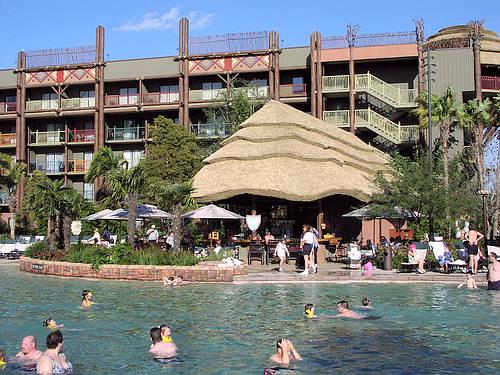 Les hotels de WDW. Piscin11