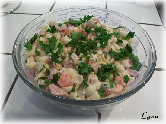 Salade de coquillettes au jambon et tomates Coquil10