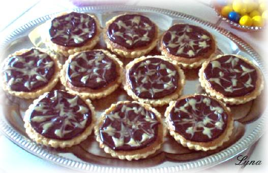 Tartelettes à la pâte d'amande, chocolat et caramel Tartel10
