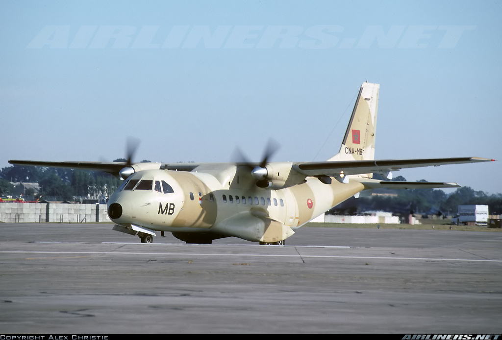FRA: Photos d'avions de transport - Page 22 26320510