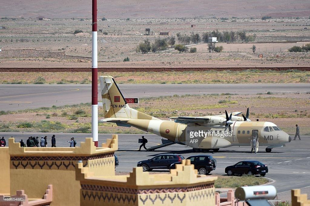FRA: Photos d'avions de transport - Page 22 46865410