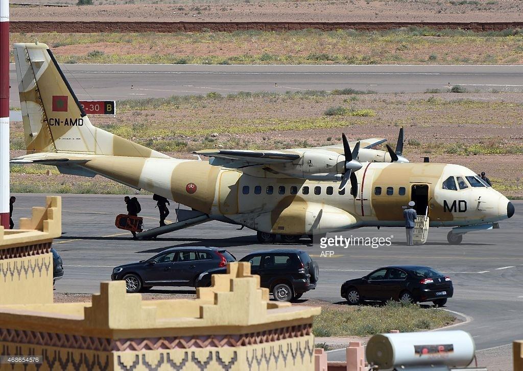 FRA: Photos d'avions de transport - Page 22 46865411