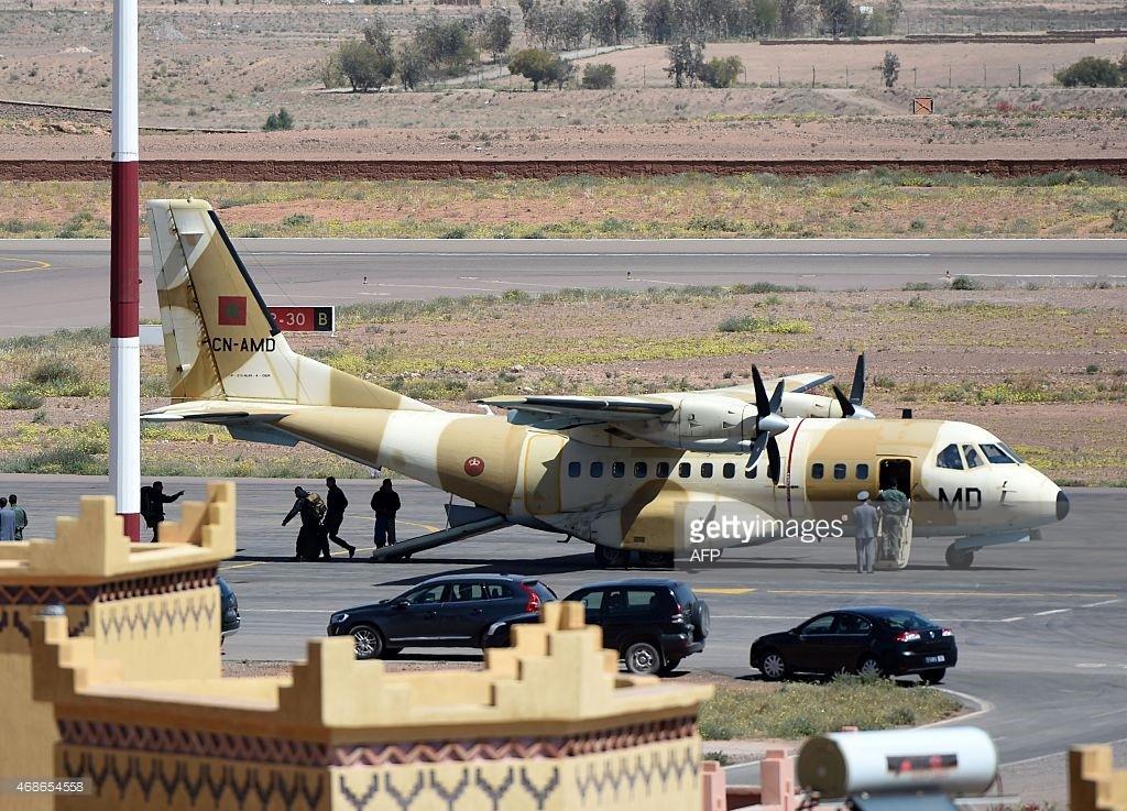 FRA: Photos d'avions de transport - Page 22 46865412