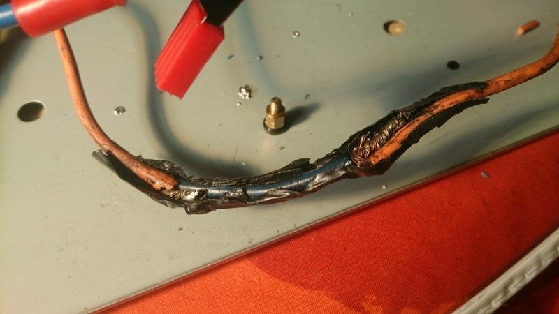 ¿Cómo restaurar el sistema eléctrico de una moto? 11152710