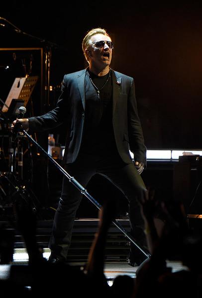 "Rolling Stone: ""Gli U2 reinventano lo Show Indoor"" 0411"