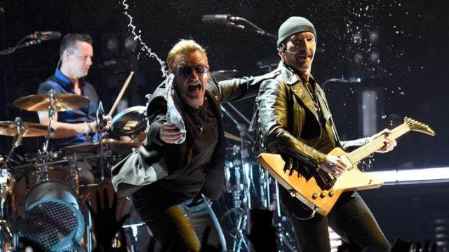 "Rolling Stone: ""Gli U2 reinventano lo Show Indoor"" 720x4011"