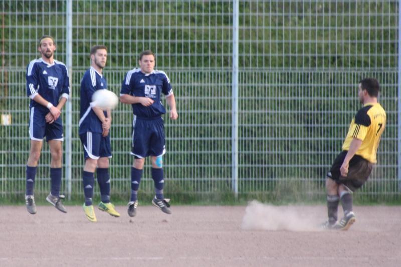 14. Spieltag: BaWa II - FC Gönnersdorf II 2:2 (0:1) Img_4342