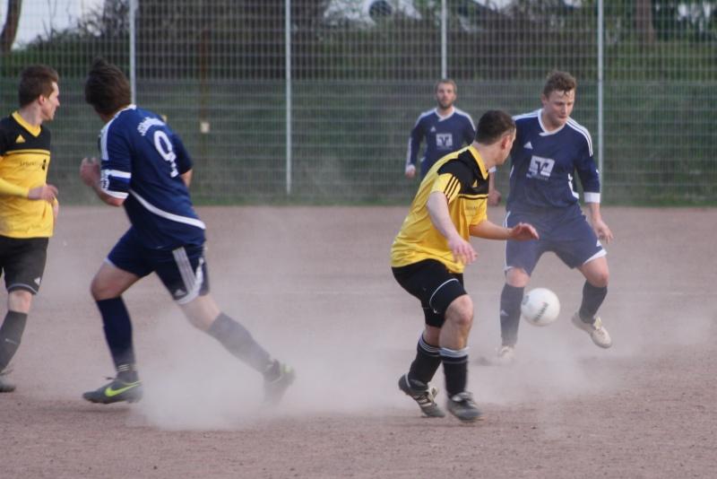 14. Spieltag: BaWa II - FC Gönnersdorf II 2:2 (0:1) Img_4354