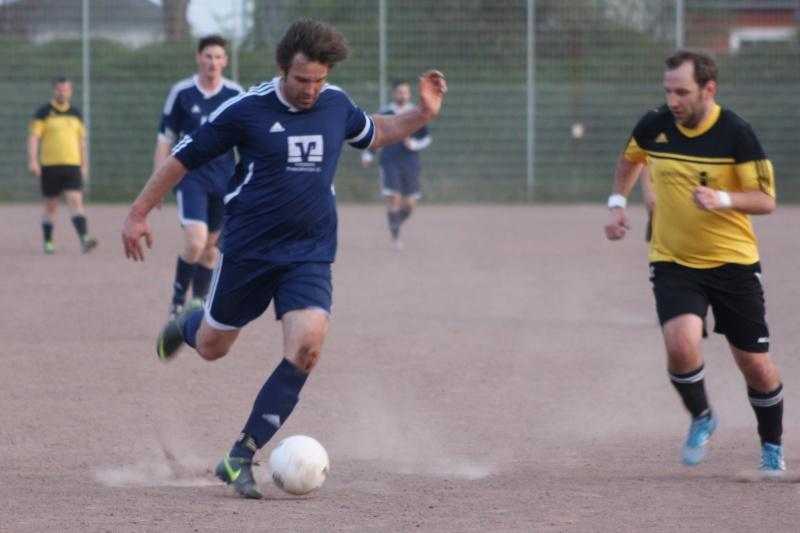 14. Spieltag: BaWa II - FC Gönnersdorf II 2:2 (0:1) Img_4360