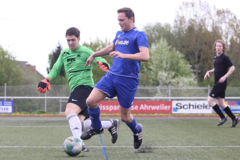 23.Spieltag: SV Oberzissen - BaWa 2:2 (1:2) Img_4816