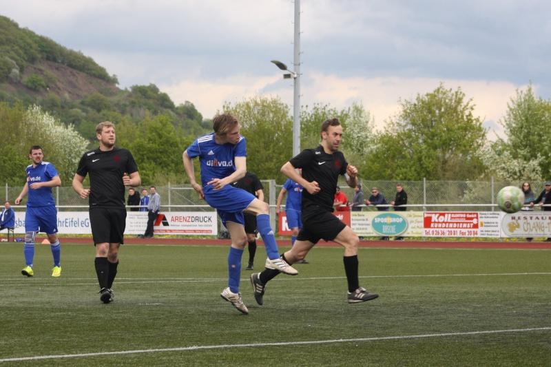23.Spieltag: SV Oberzissen - BaWa 2:2 (1:2) Img_4833