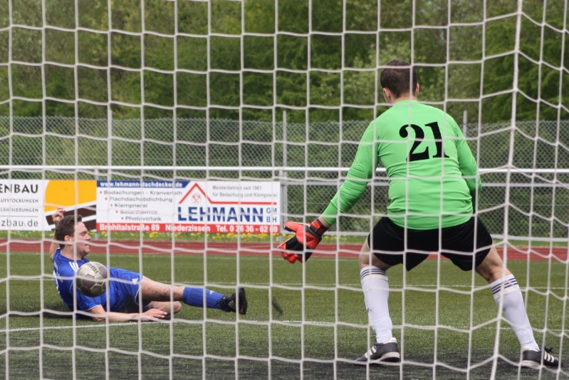 23.Spieltag: SV Oberzissen - BaWa 2:2 (1:2) Img_4849