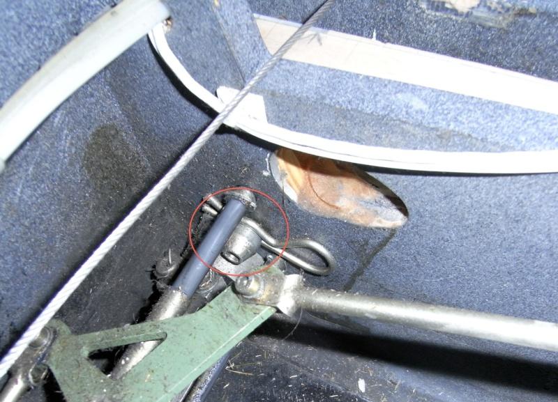 Dépose des ailes et traitement de la corrosion Captur80