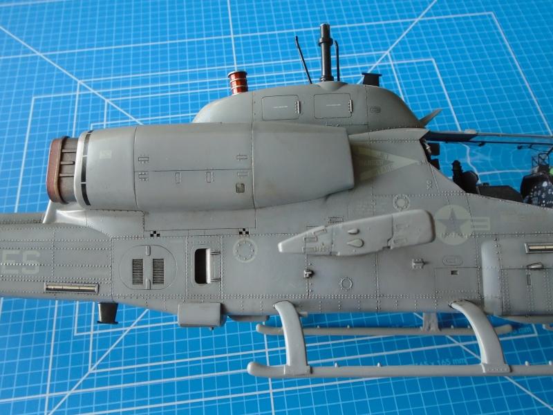 Academy 1/35 Scale AH-1W Super Cobra 01910
