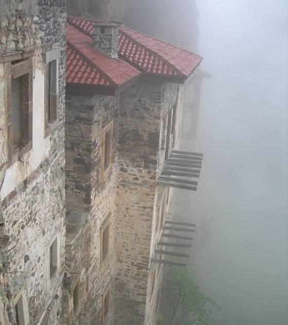 Les monastères et villes du bout du monde! Le-mon10