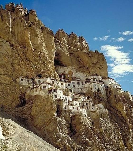 Les monastères et villes du bout du monde! Le-mon12