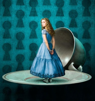 Alice in Wonderland : le roman de Lewis Carroll. B_200910