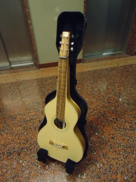 percher ses guitares? Dsc04911