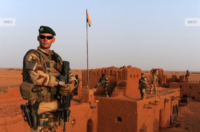 Madama (Niger) : l'armée française reprend son vieux fort des sables 11096511