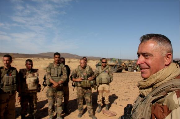 Le général Barrera vient de publier ses carnets de guerre maliens 11974010