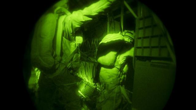 La Force Barkhane a mené une opération aéroportée dans le nord du Niger 2015ec10