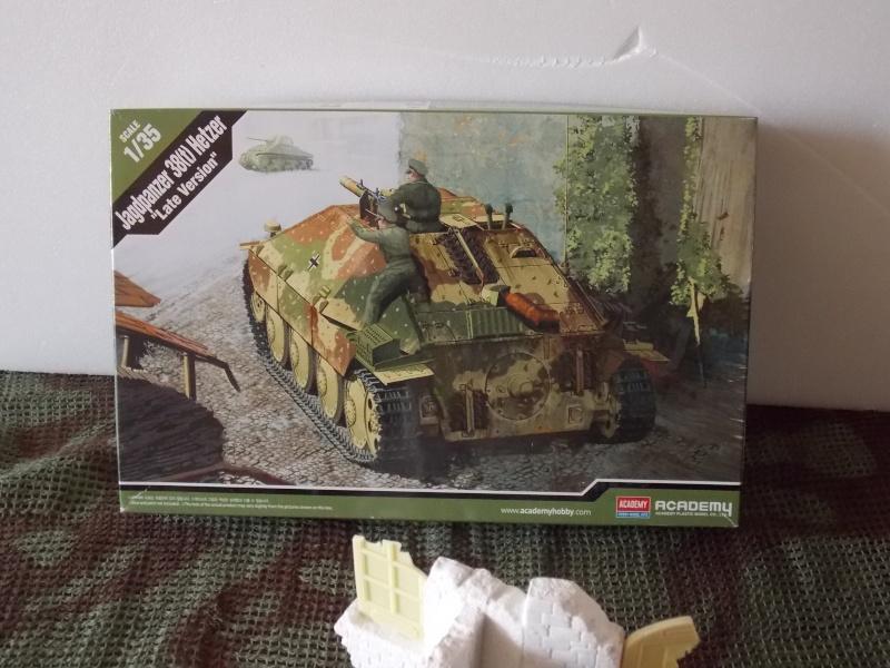 Guet-apens - Jagdpanther 38(t) HETZER - ACADEMY 1/35 + ruine Verlinden Guet_a17