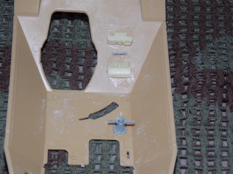 Guet-apens - Jagdpanther 38(t) HETZER - ACADEMY 1/35 + ruine Verlinden Guet_a48