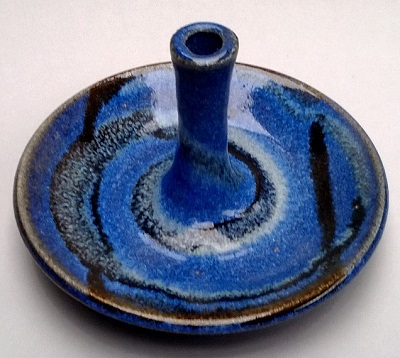 A pretty blue ring holder by Vaughan Ring_h10