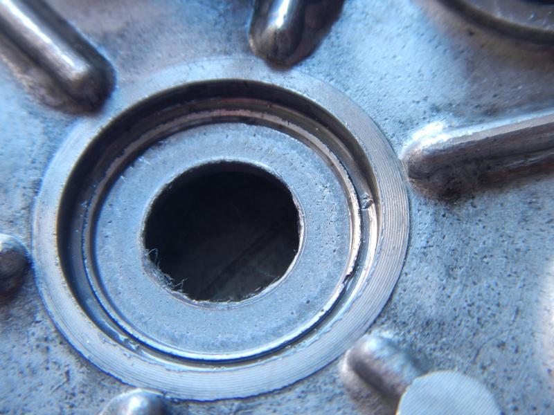"""Frizione smontaggio (attenzione errore sul manuale officina """"Clymer"""") Dscn8622"""