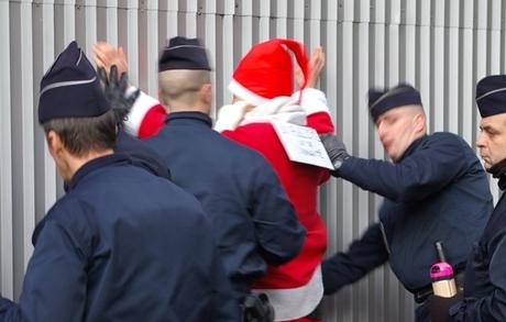 Joyeux Noël de la part d'un vieux barbu Arrest10