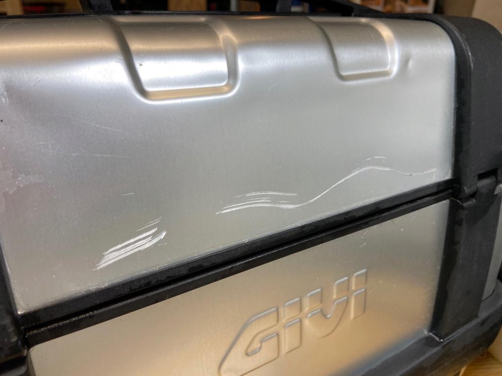 [VENDU] Paire de valises GIVI Trekker 33 litres Img_6419