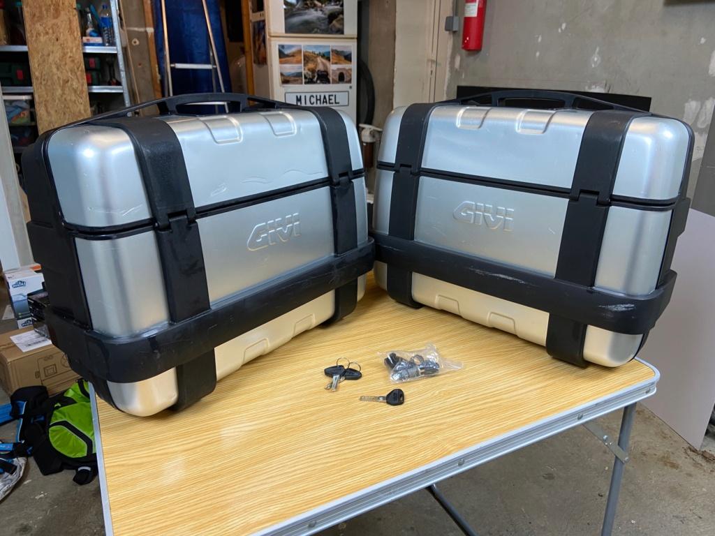 [VENDU] Paire de valises GIVI Trekker 33 litres Img_6420