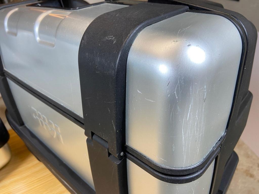 [VENDU] Paire de valises GIVI Trekker 33 litres Img_6424