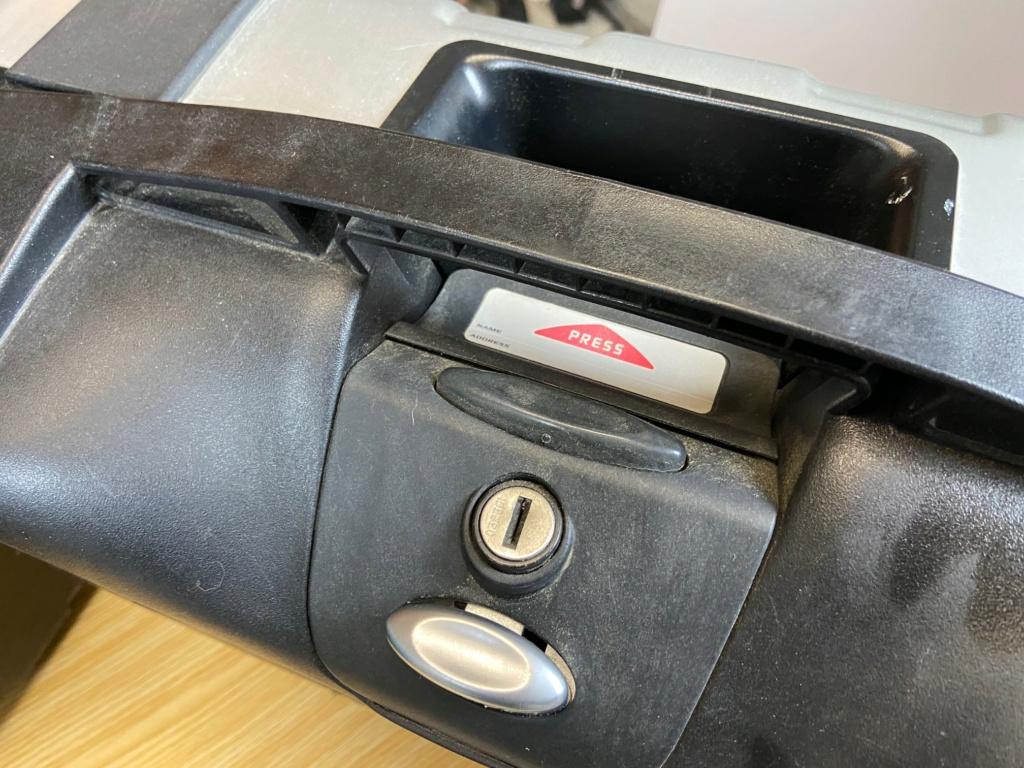 [VENDU] Paire de valises GIVI Trekker 33 litres Img_6428