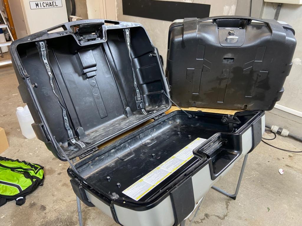[VENDU] Paire de valises GIVI Trekker 33 litres Img_6429