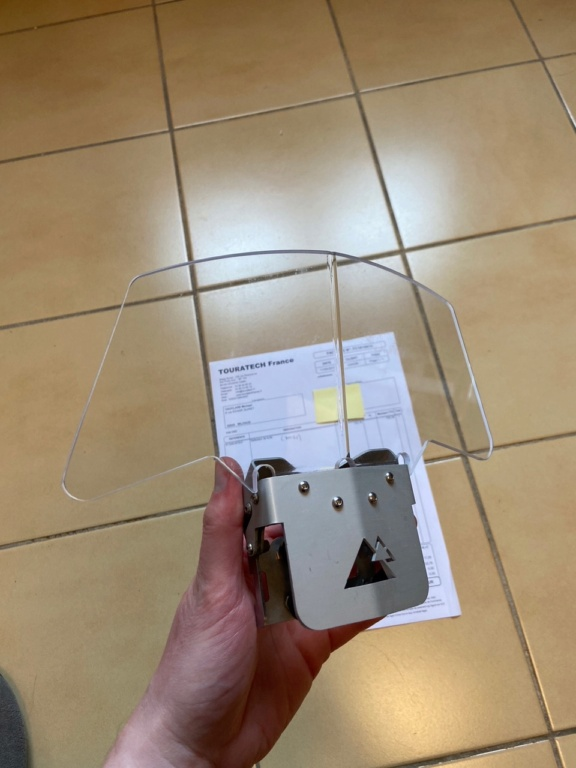 [Vendu] Déflecteur (spoiler) de bulle Touratech (compatible F 800 GS et autres) Img_6611