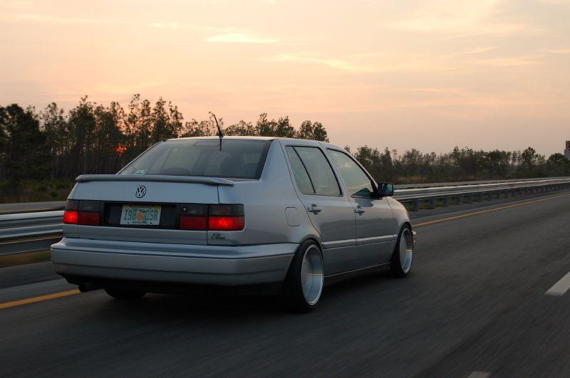 [ VW ] VENTO 10606710