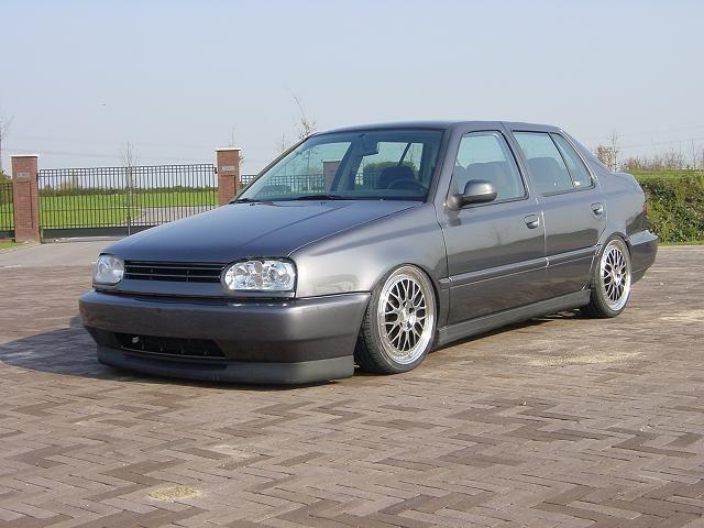 [ VW ] VENTO 20041310