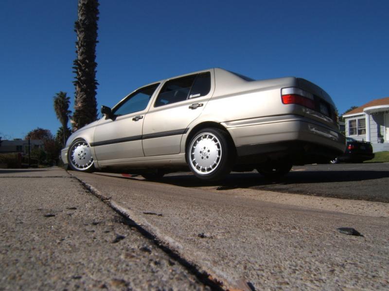 [ VW ] VENTO 2cwl7410