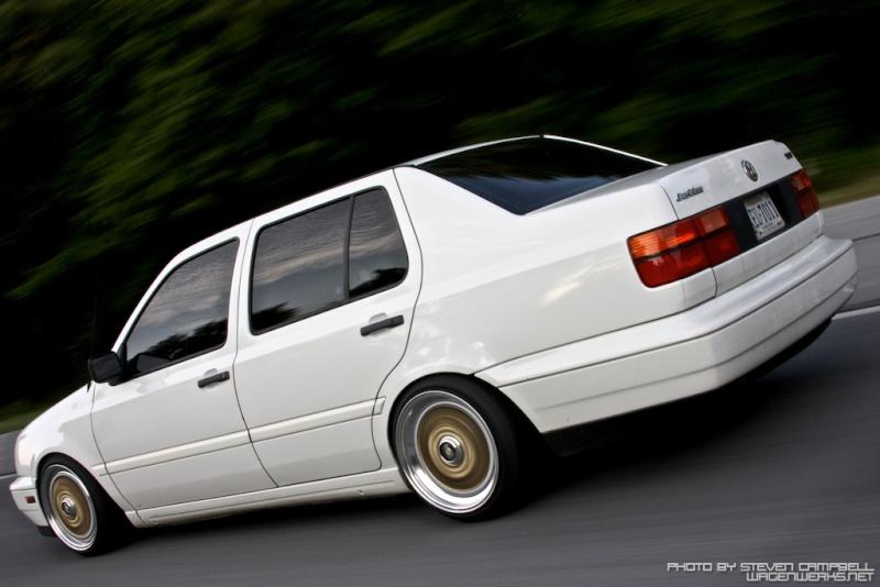 [ VW ] VENTO 31723310