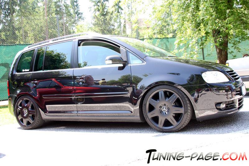 [ VW ] TOURAN Lowfam11