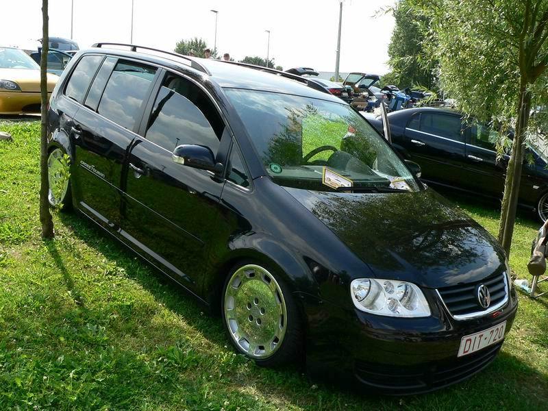 [ VW ] TOURAN P1580911