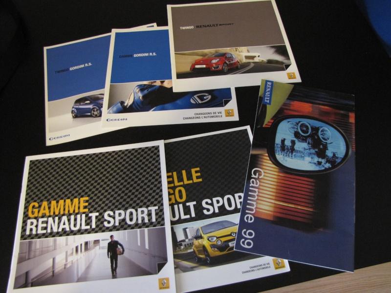 Brochures Twingo 1 et 2 au profit de l'association Img_5610