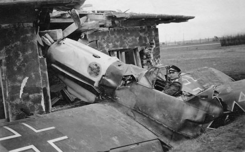 Photos insolites d'avions Bf109e11