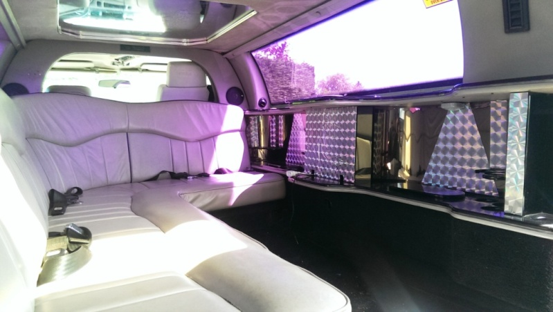 LIMOUSINE 8m50 Lincoln Tow Car 4,6 V8 GPL 9 places Imag1519